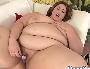 Solo fatty toying her ass and pussy hole