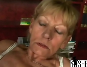 Dirty fair-haired grandma gets fucked before sucking off younger guy'_s dick