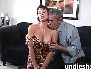 unshaded gushes hairy pussy juice 9