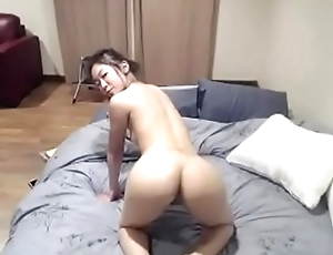 [AmateurWebcamBabes.com] - Hot Asian Camgirl Spreads