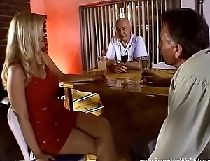 Peaches Wife Takes Two Cocks Abyss